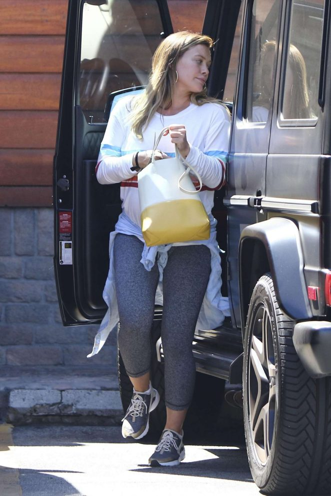 Hilary Duff - Leaving a yoga in Los Angeles