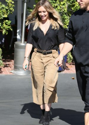 Hilary Duff - Leaving Fred Segal After Having Lunch in Los Angeles