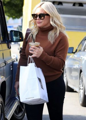 Hilary Duff - Leaving Joan's On Third in Studio City