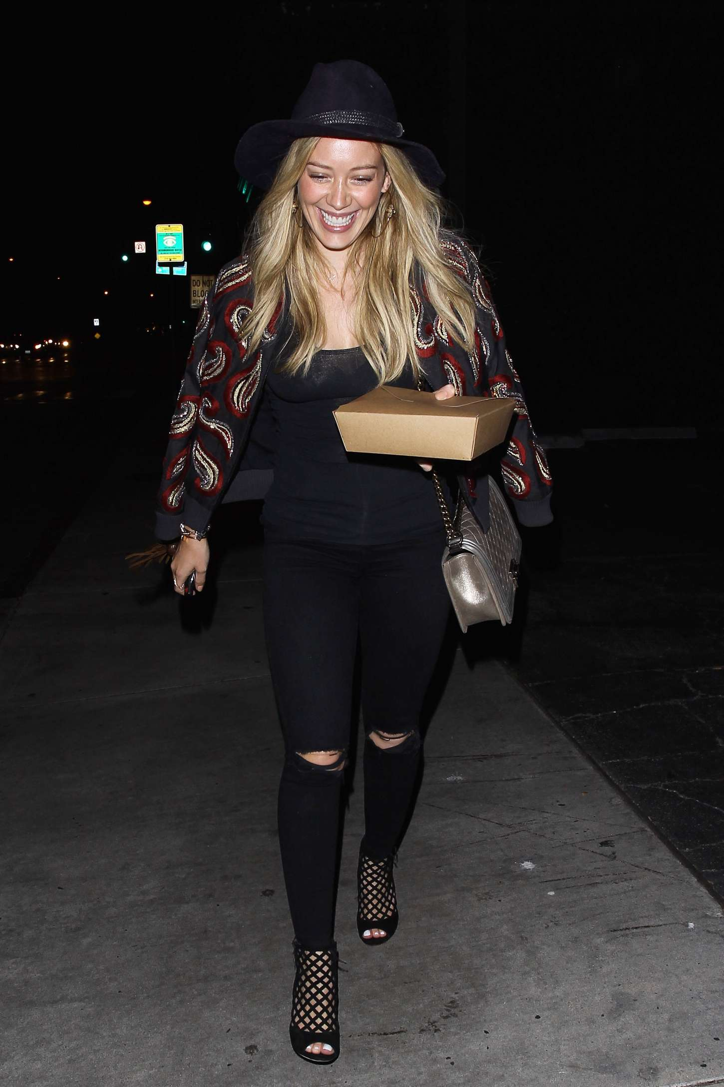 Hilary Duff 2015 : Hilary Duff: Leaving Zinque French Restaurant -16