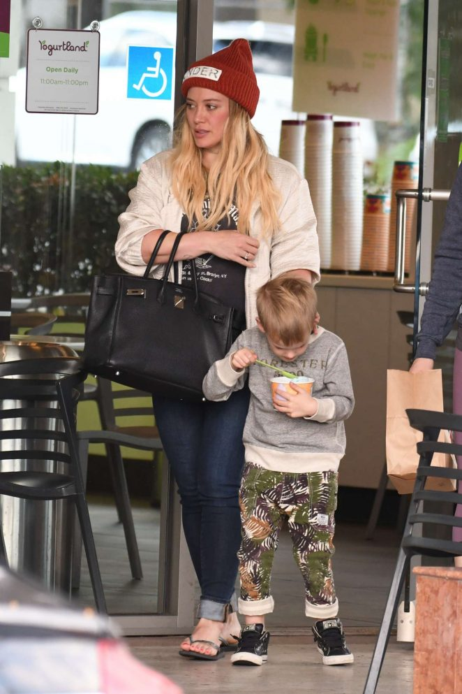 Hilary Duff lunch with her son in Studio City