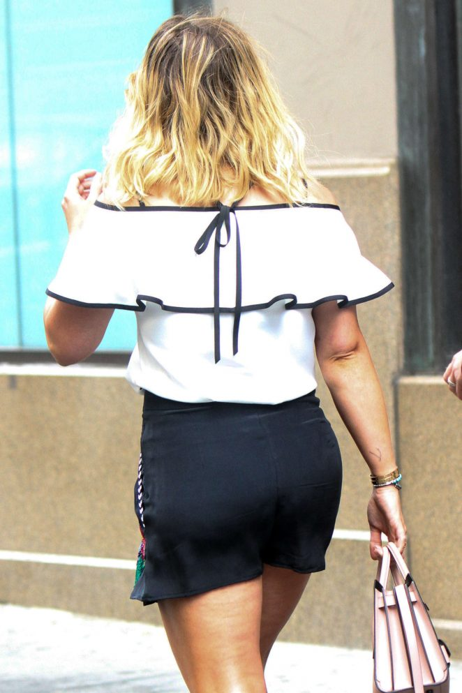 Hilary Duff – On the Set of 'Younger' in Manhattan
