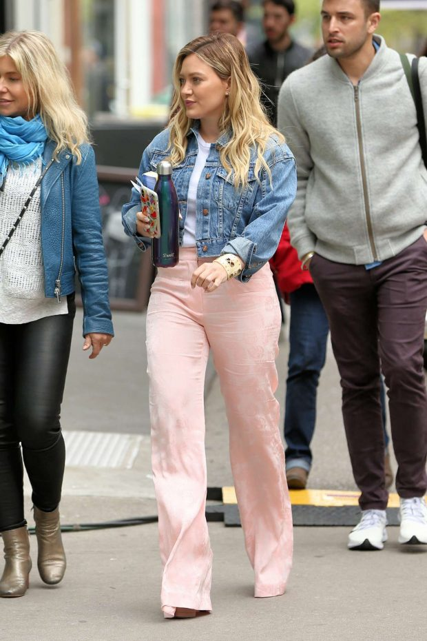 Hilary Duff 2019 : Hilary Duff on the set of Younger in New York City -04