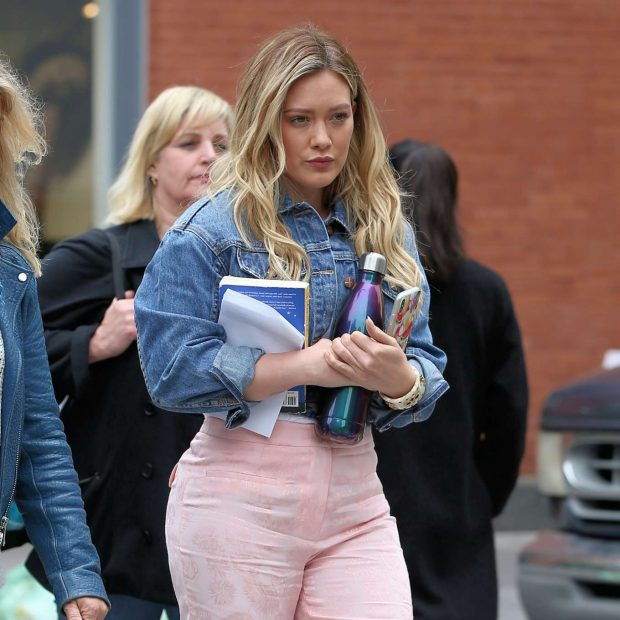 Hilary Duff 2019 : Hilary Duff on the set of Younger in New York City -06