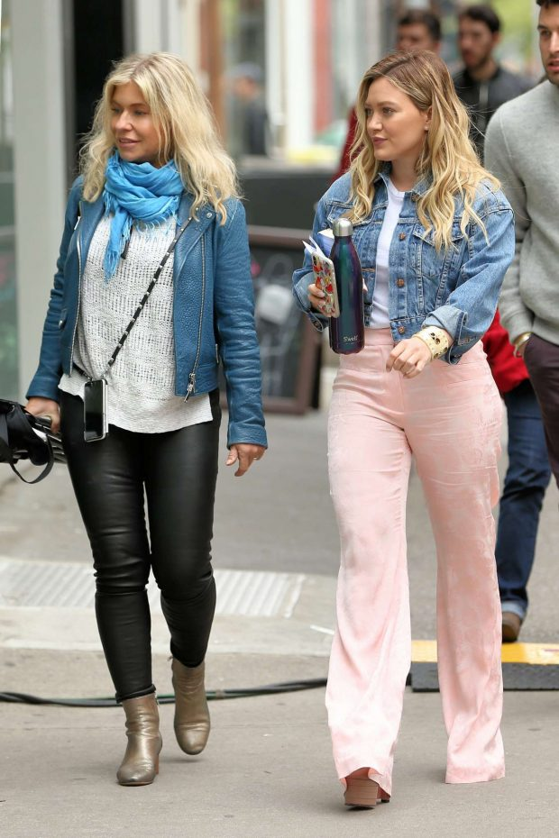 Hilary Duff 2019 : Hilary Duff on the set of Younger in New York City -09