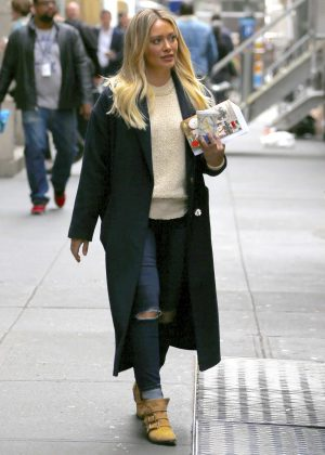 Hilary Duff on the set of 'Younger' in New York City