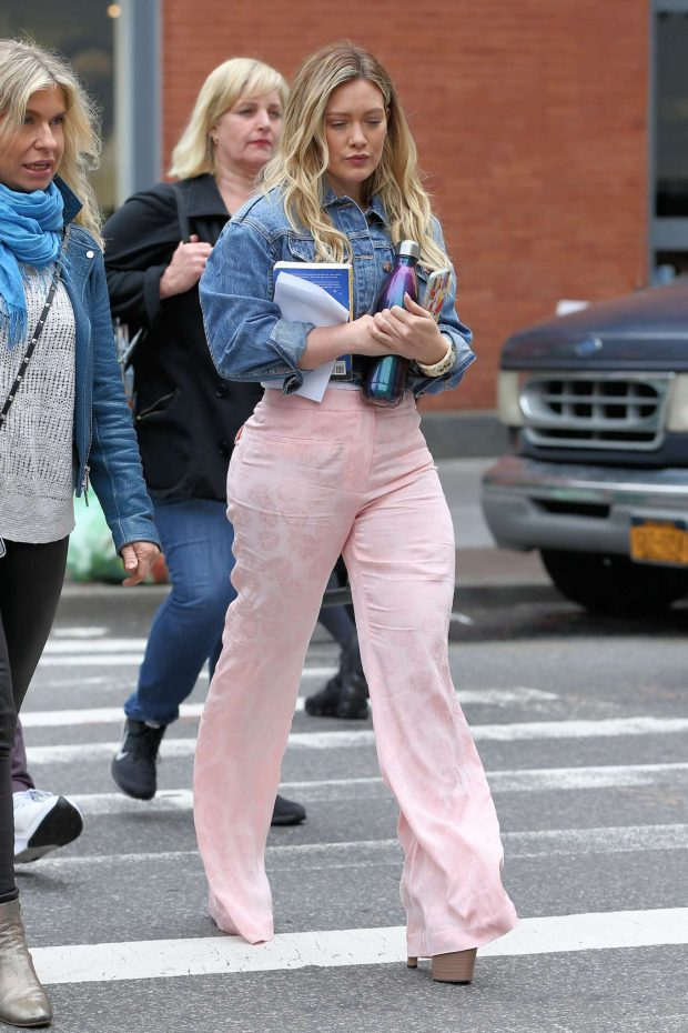 Hilary Duff 2019 : Hilary Duff on the set of Younger in New York City -11