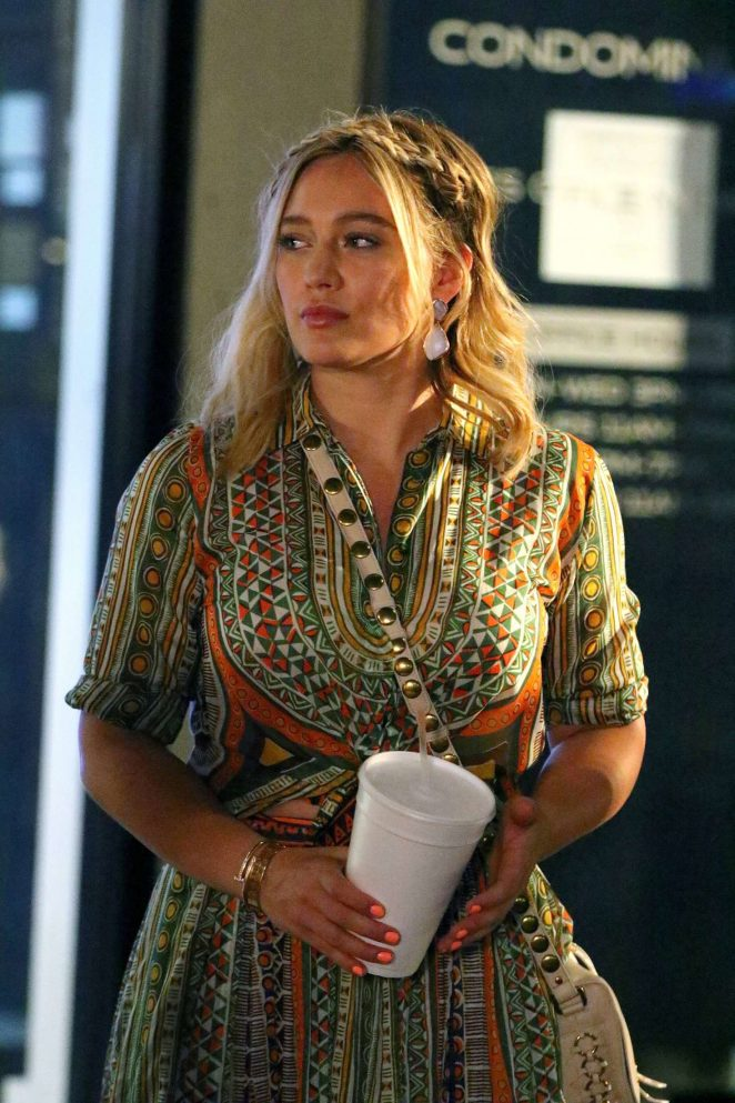 Hilary Duff 2016 : Hilary Duff: On the Set of Younger -04