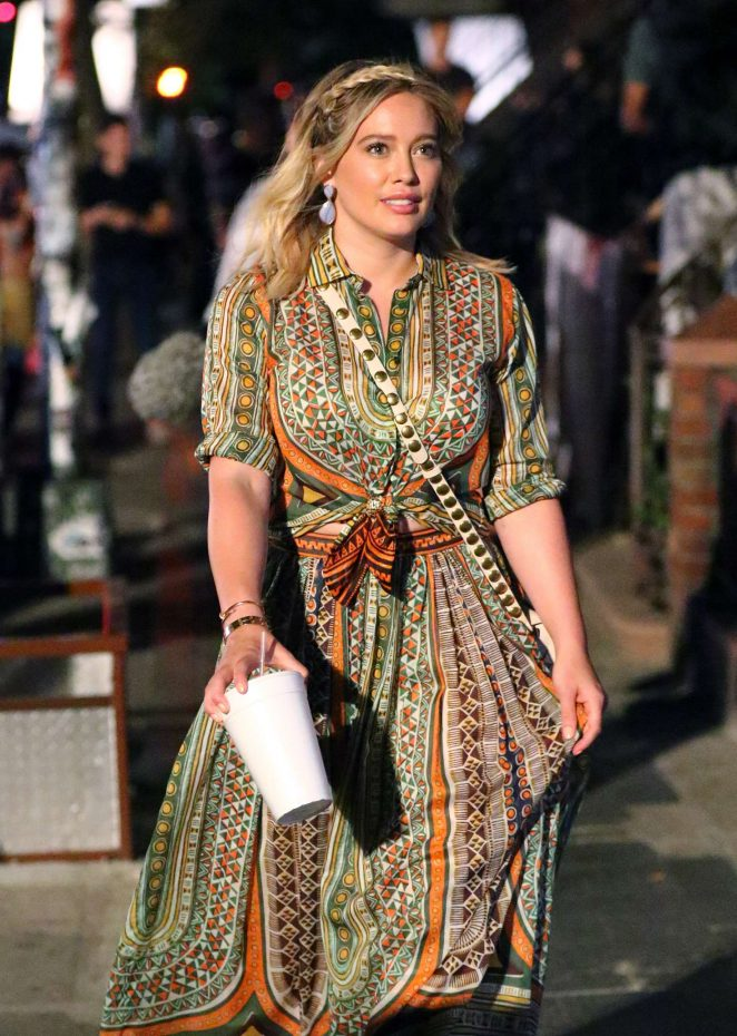 Hilary Duff 2016 : Hilary Duff: On the Set of Younger -05