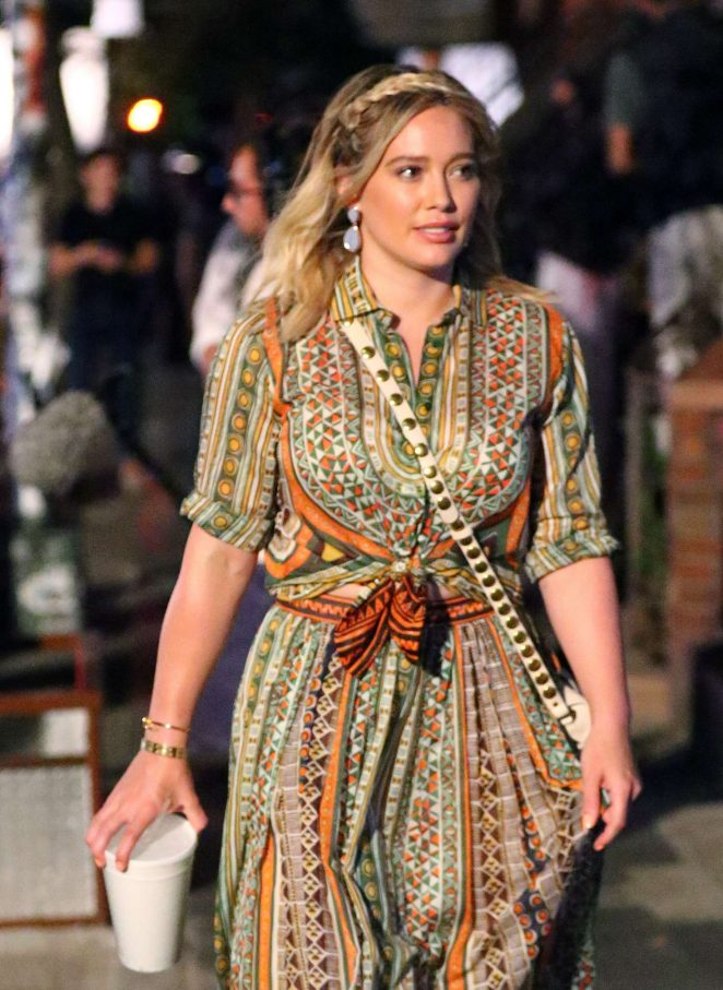Hilary Duff - On the Set of 'Younger' in New York City