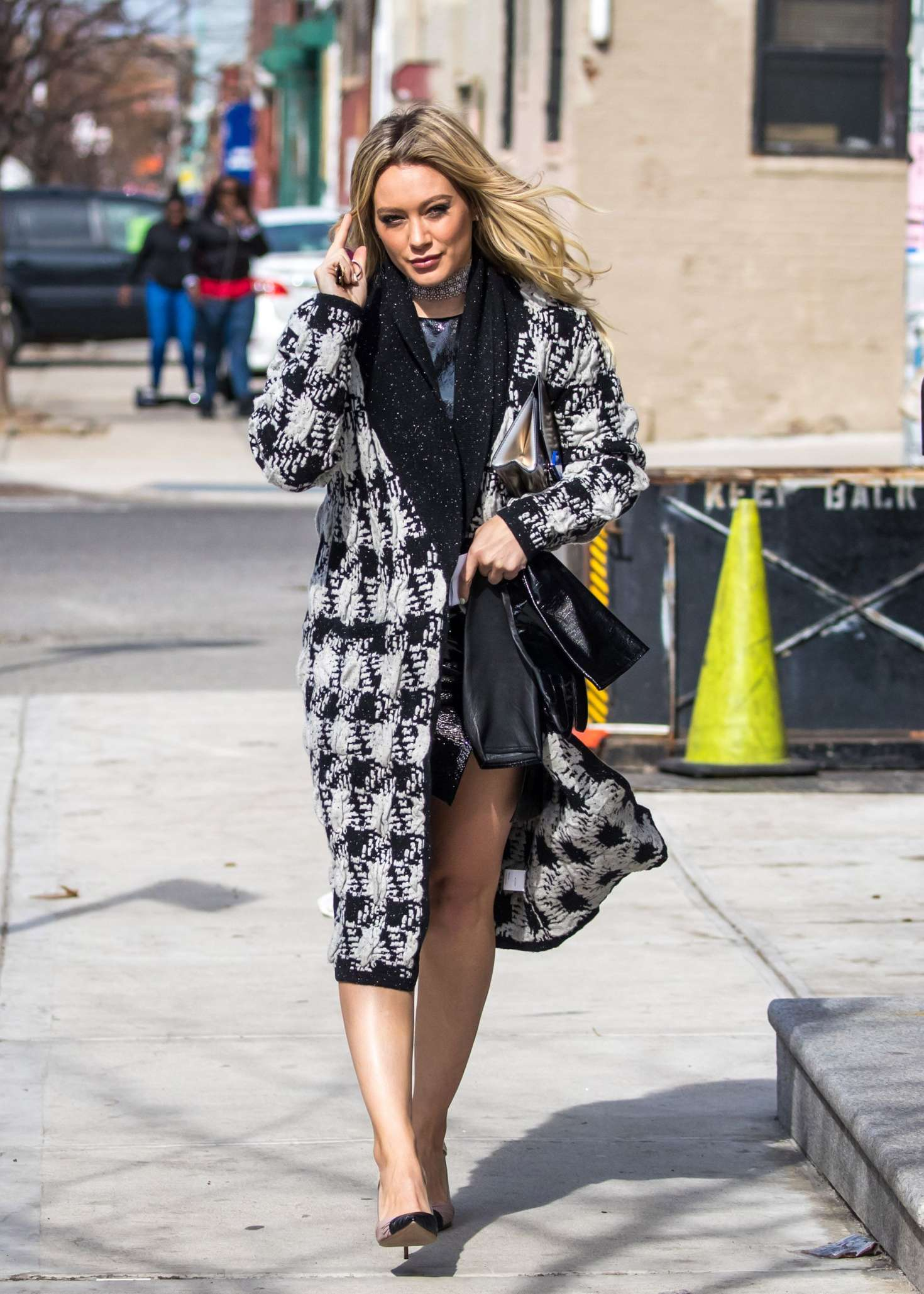 Hilary Duff 2015 : Hilary Duff on the set of Younger -03
