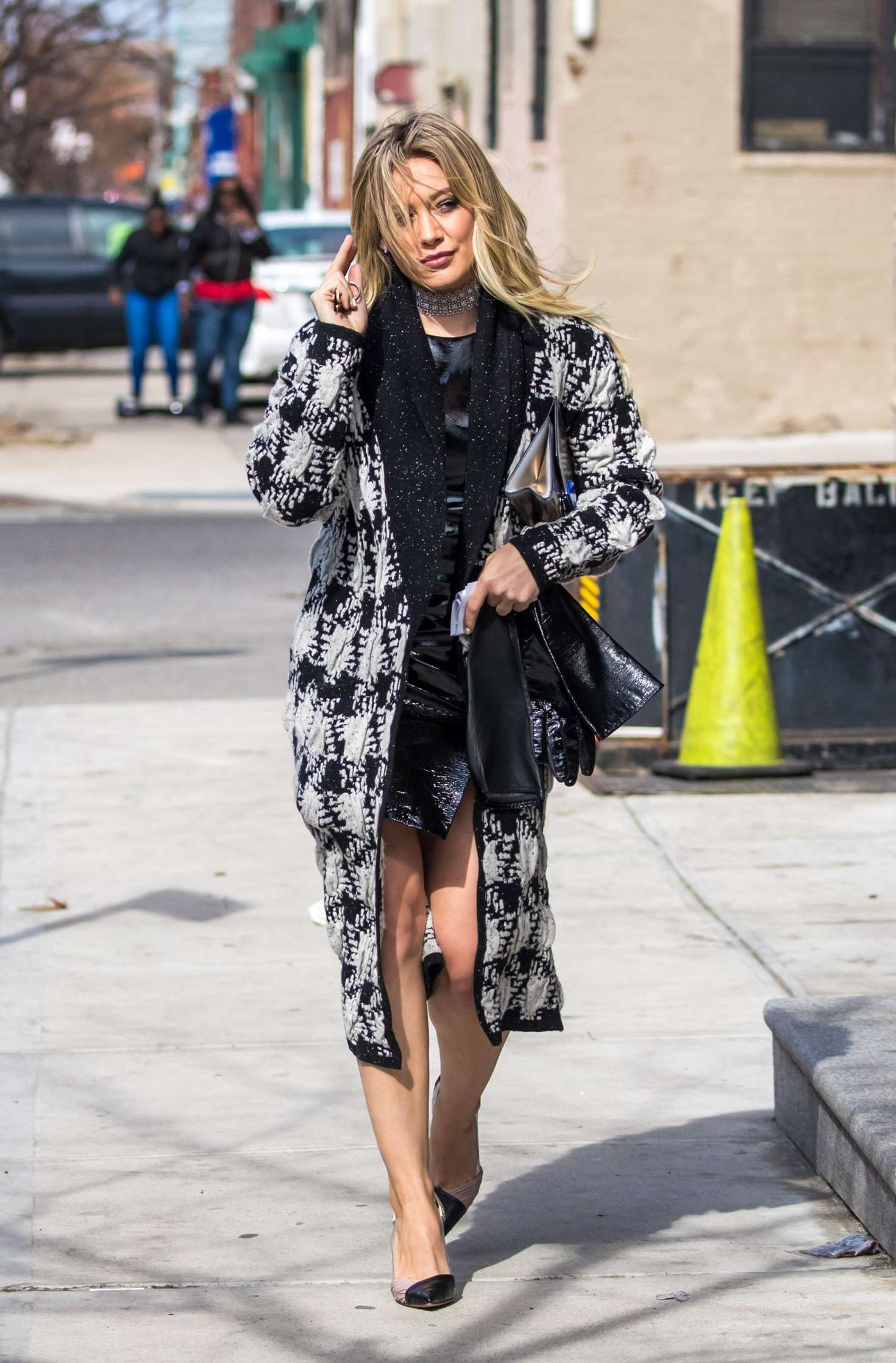 Hilary Duff 2015 : Hilary Duff on the set of Younger -17
