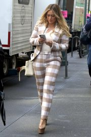 Hilary Duff - On the set of 'Younger' in NYC