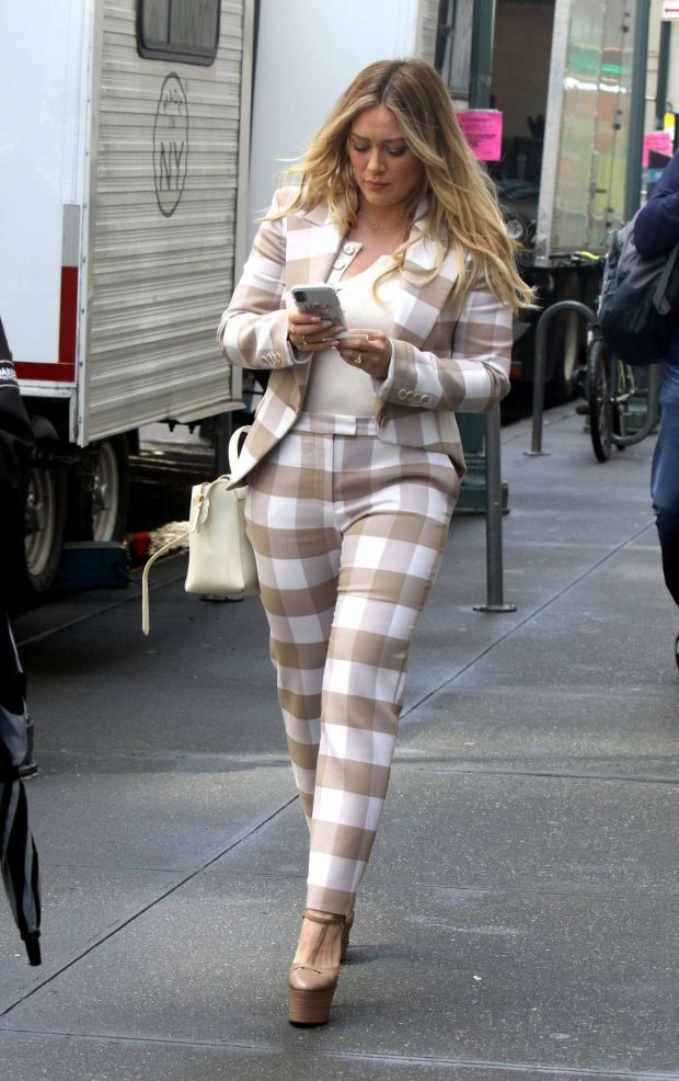 Hilary Duff 2019 : Hilary Duff: On the set of Younger in NYC -03