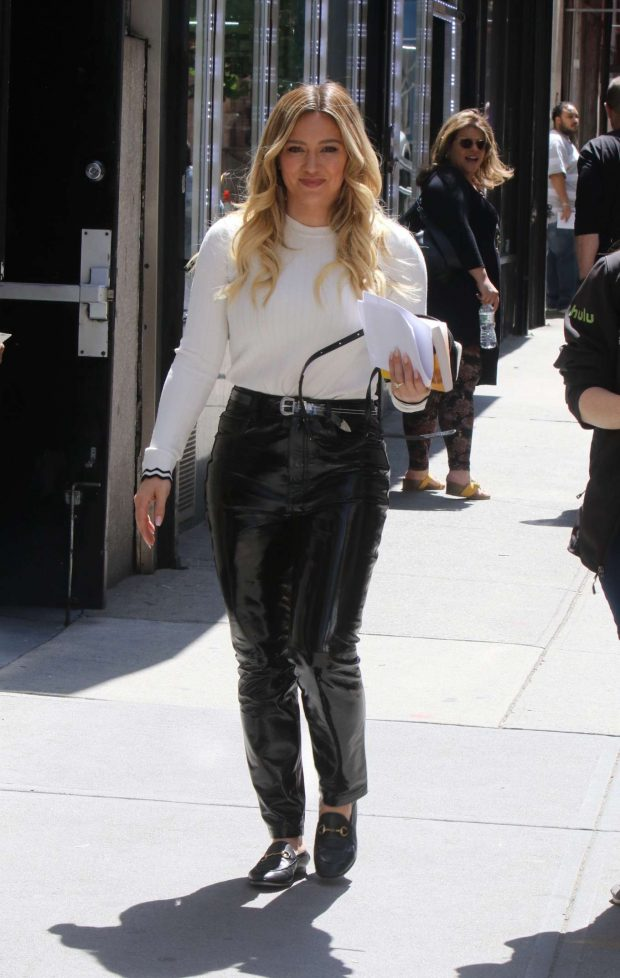 Hilary Duff - On the set of Younger in NYC