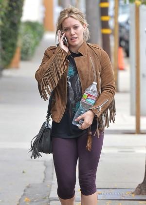 Hilary Duff in Tight Leggings -01