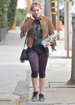 Hilary Duff in Tight Leggings -04