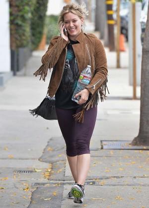 Hilary Duff in Tight Leggings -09