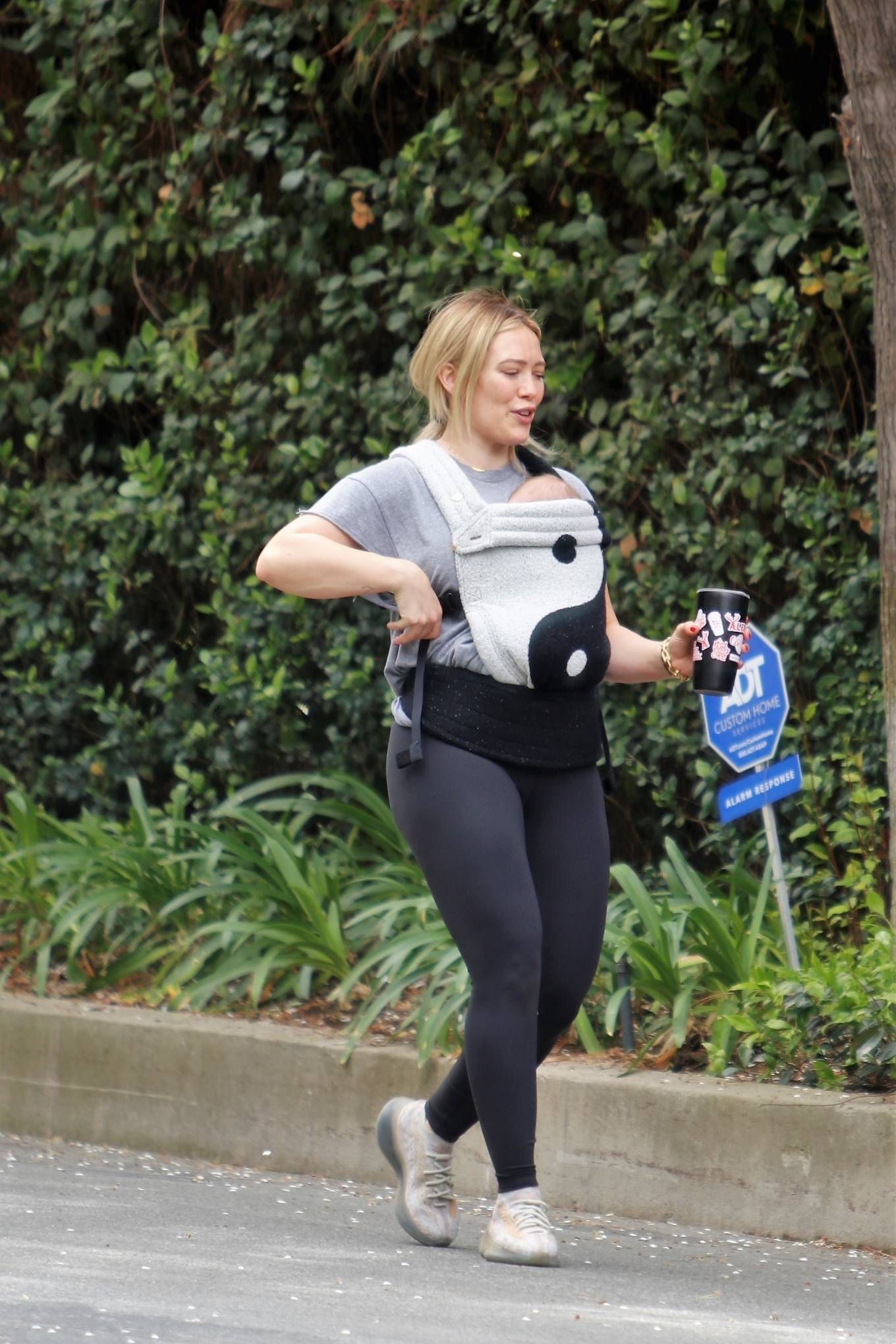 Hilary Duff - out for a hike in Studio City