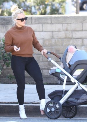 Hilary Duff - Out for breakfast at Joans on Third in Studio City