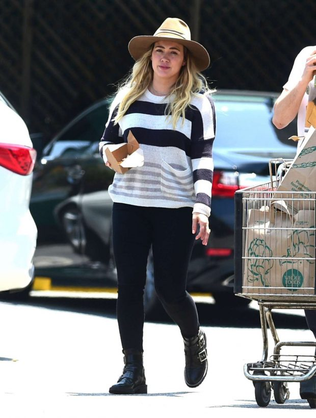 Hilary Duff: Out in Los Angeles-01