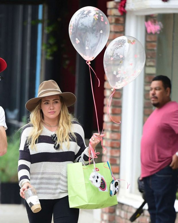 Hilary Duff: Out in Los Angeles-08