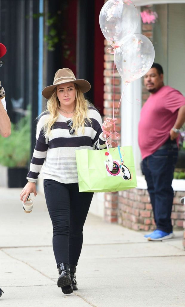 Hilary Duff: Out in Los Angeles-11