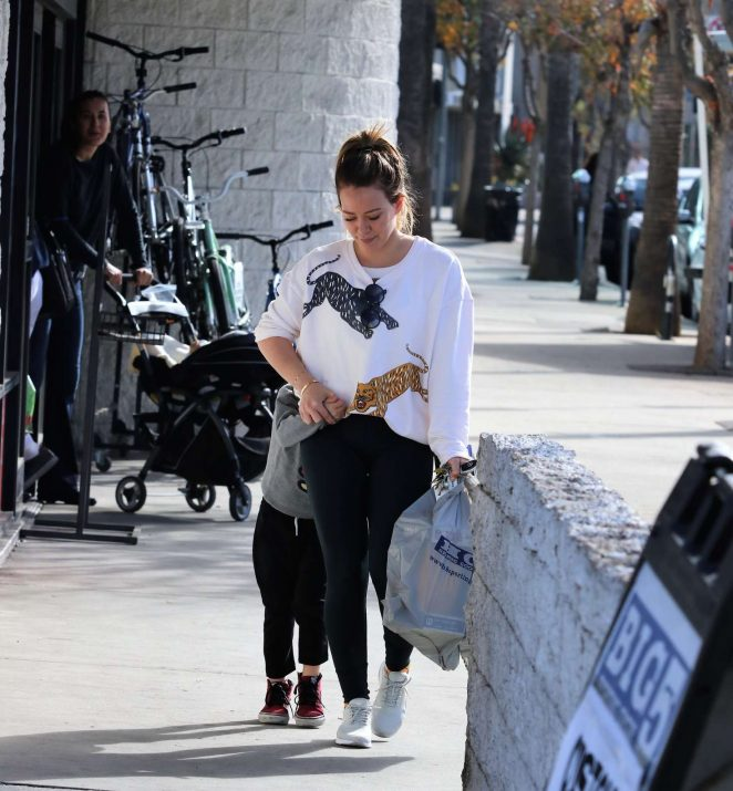 Hilary Duff - Out shopping at Big 5 sporting goods in LA