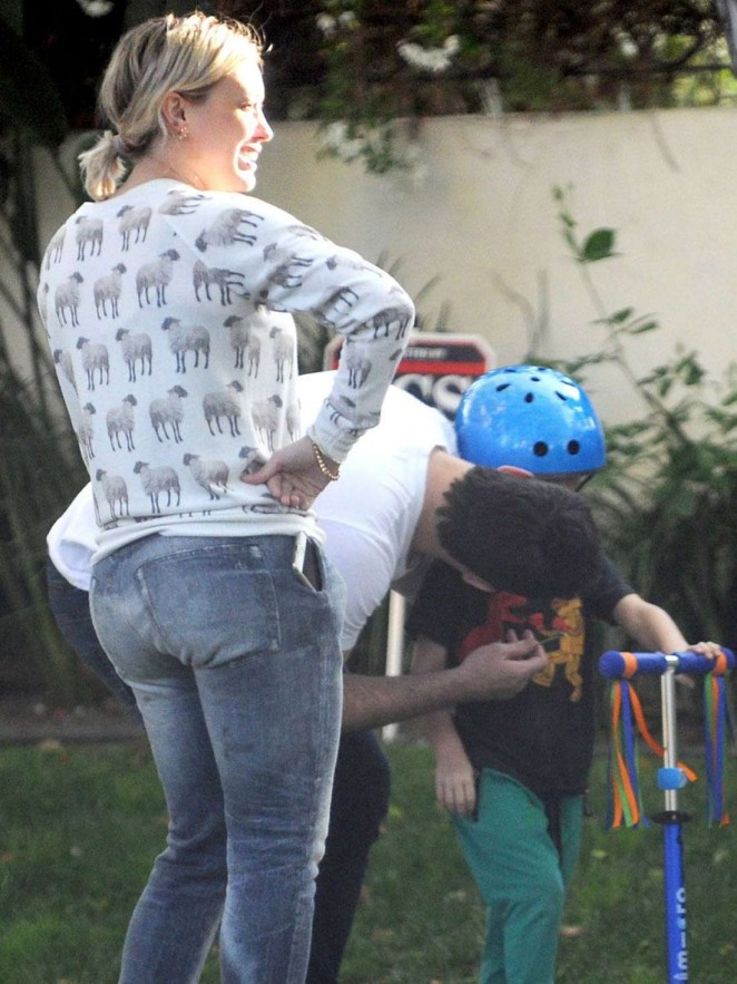 Hilary Duff out with her kid in Toluca Lake