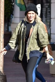 Hilary Duff - Outside a gym in Sherman Oaks