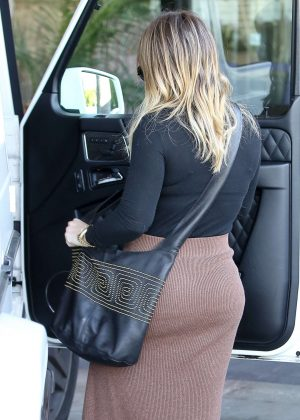 Hilary Duff - Picking Up Her Dry Cleaning in Studio City