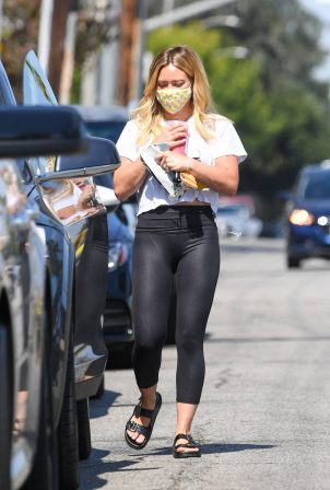 Hilary Duff picks up Starbucks in Malibu