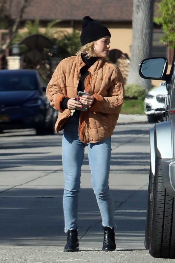 Hilary Duff - Seen at a friend's house in Studio City