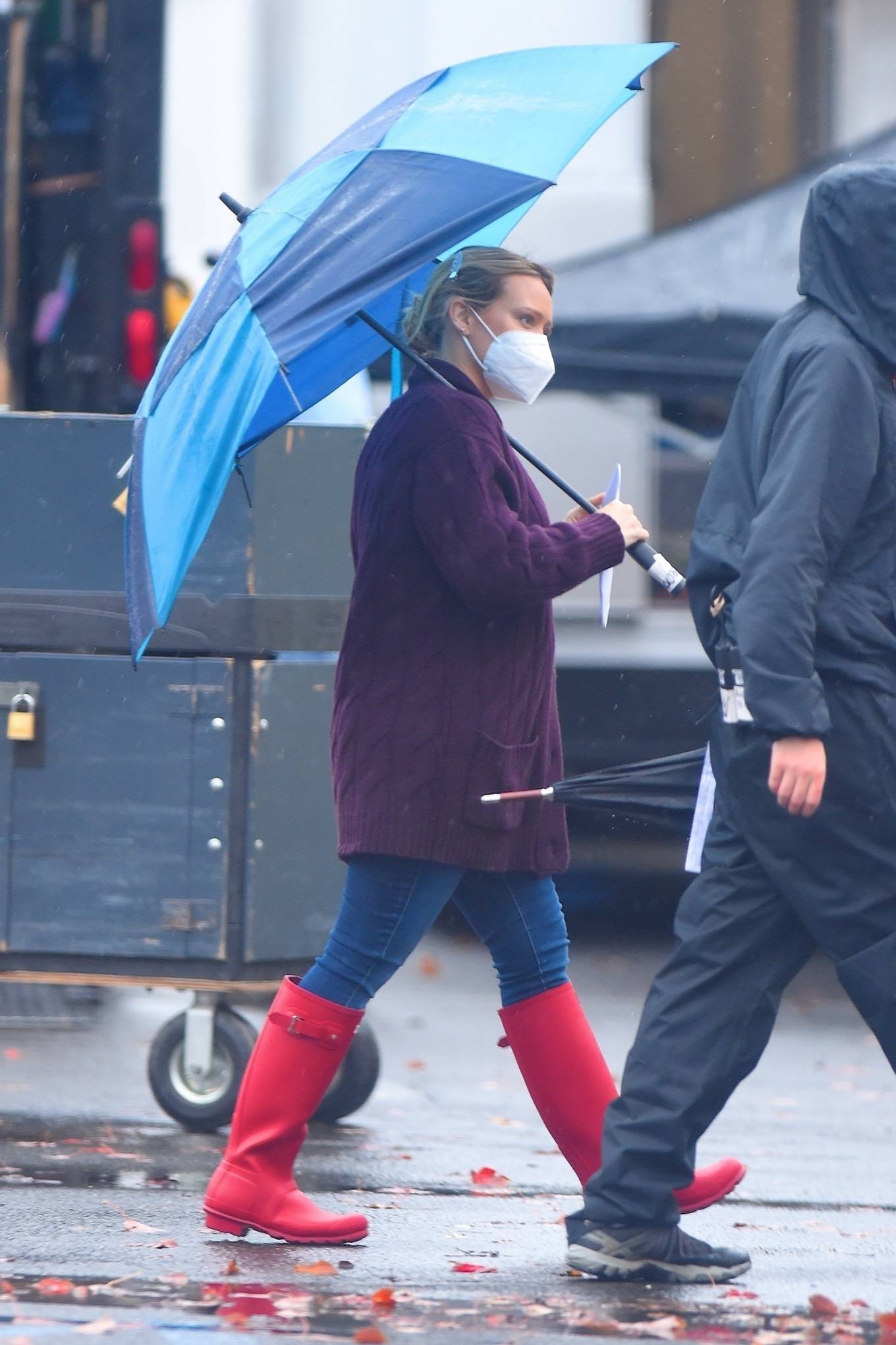 Hilary Duff 2020 : Hilary Duff – Seen on the rain on the set of Younger in Westbury-06