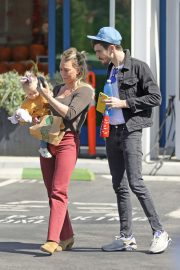 Hilary Duff - Seen Out in Los Angeles