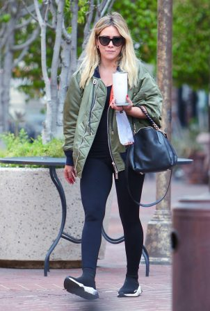 Hilary Duff - Seen while out for coffee in Los Angeles