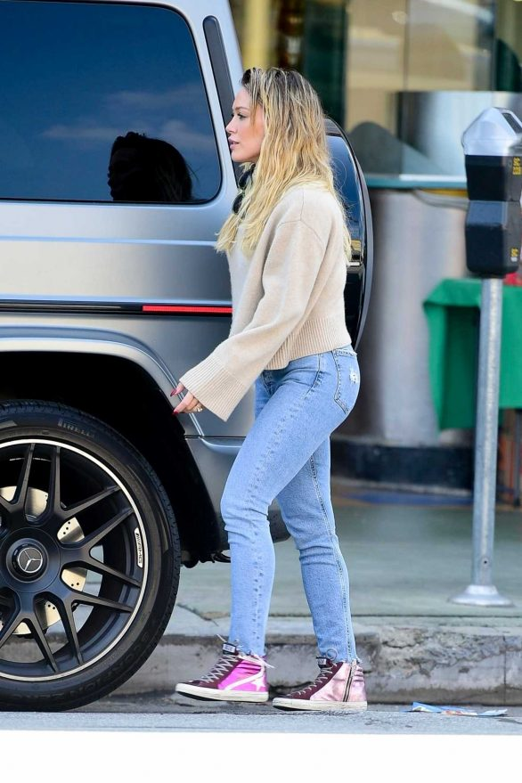 Hilary Duff - Seen while out shopping in Studio City