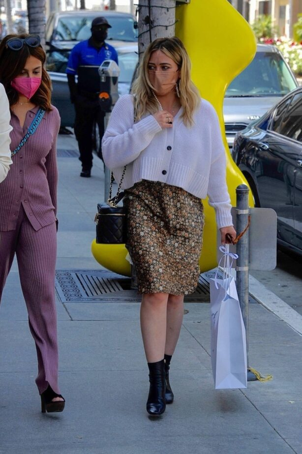 Hilary Duff - Shopping at Prada on Rodeo Drive in Beverly Hills
