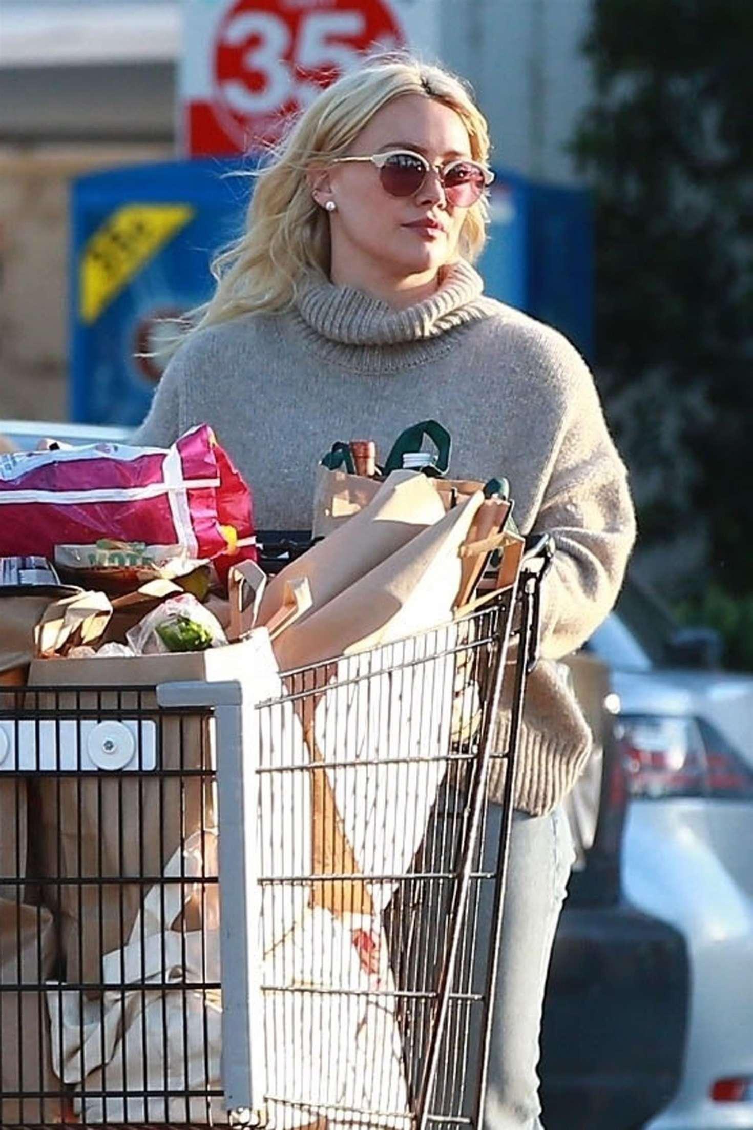 Hilary Duff 2019 : Hilary Duff: Shopping at Ralphs Supermarket -01