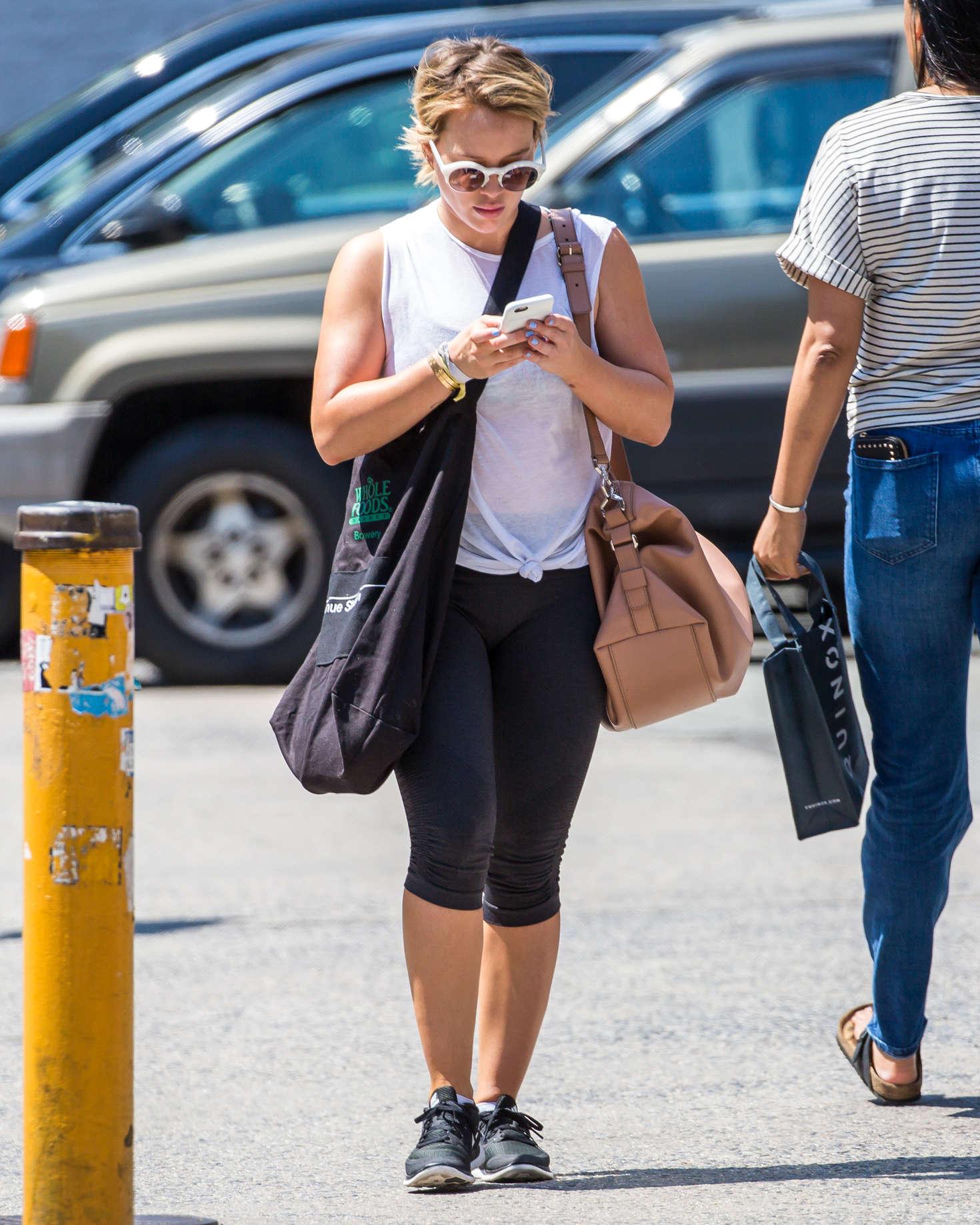 Hilary Duff In Leggings 02 Gotceleb