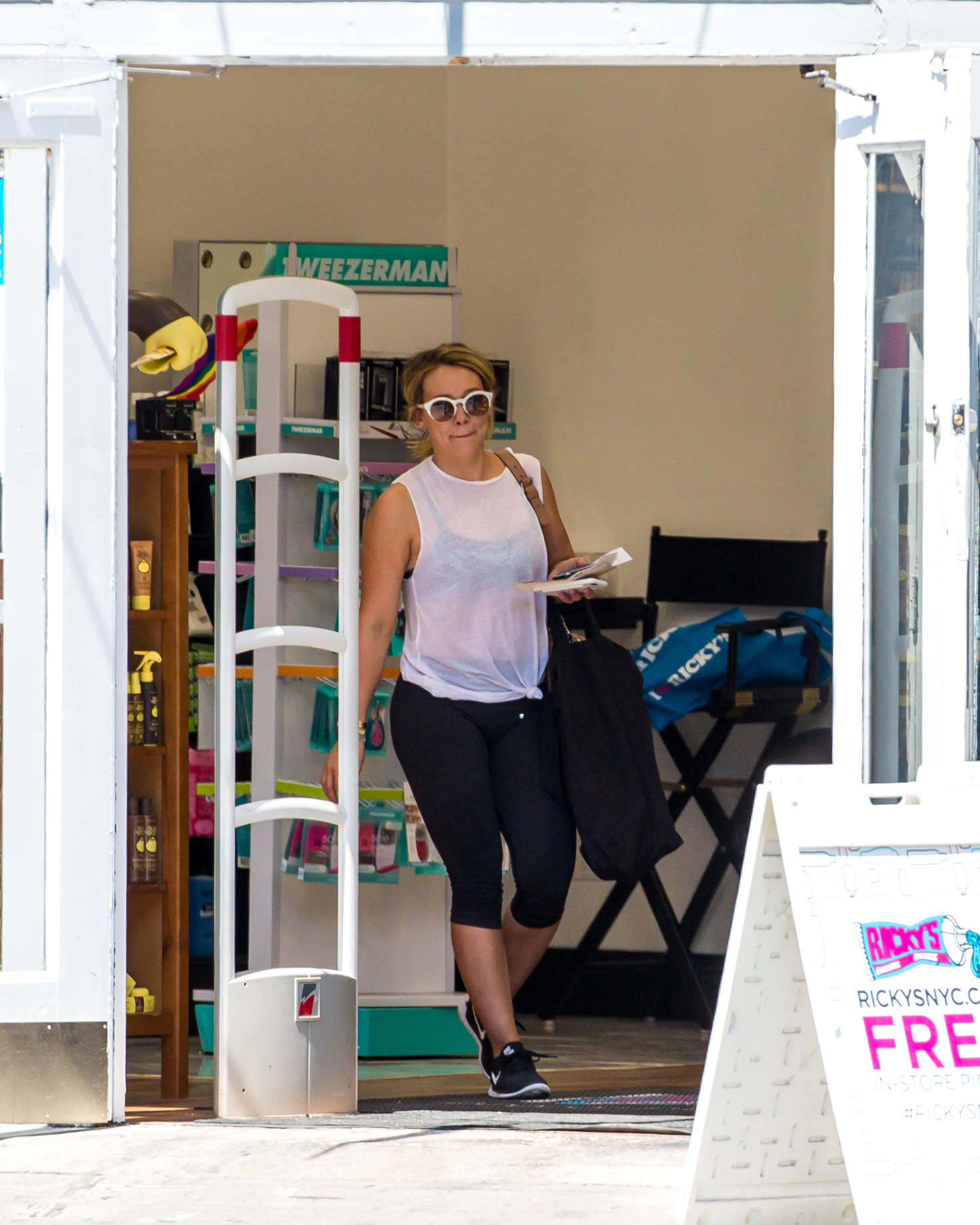 Hilary Duff 2016 : Hilary Duff in Leggings -06