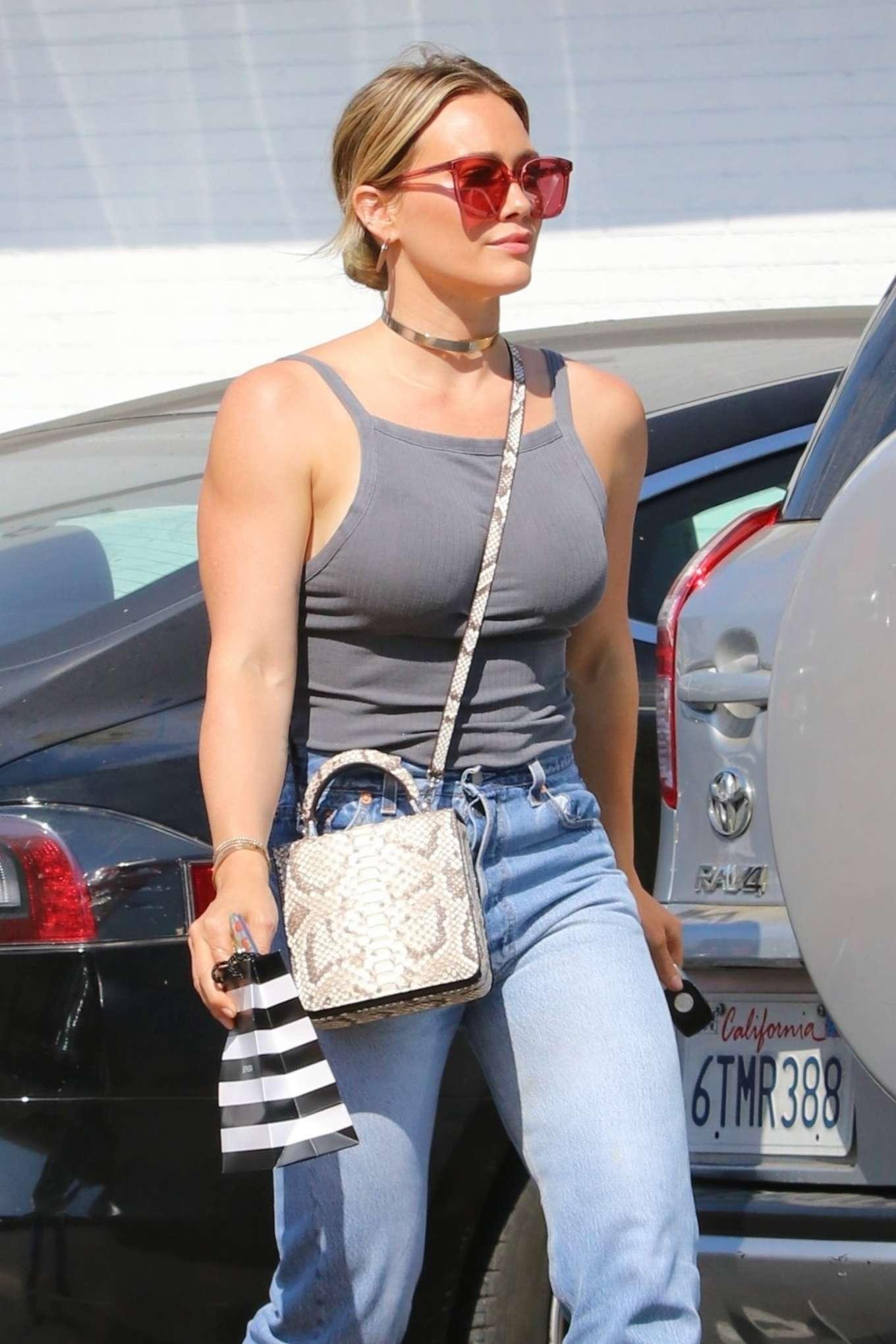 Hilary Duff - Shopping at Sephora cosmetics store in Studio City