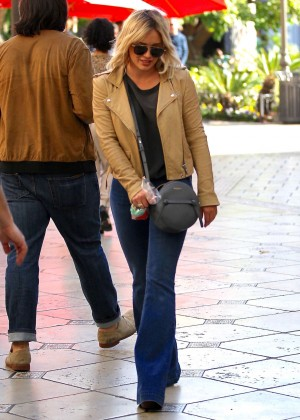 Hilary Duff - Shopping at the Grove in Los Angeles