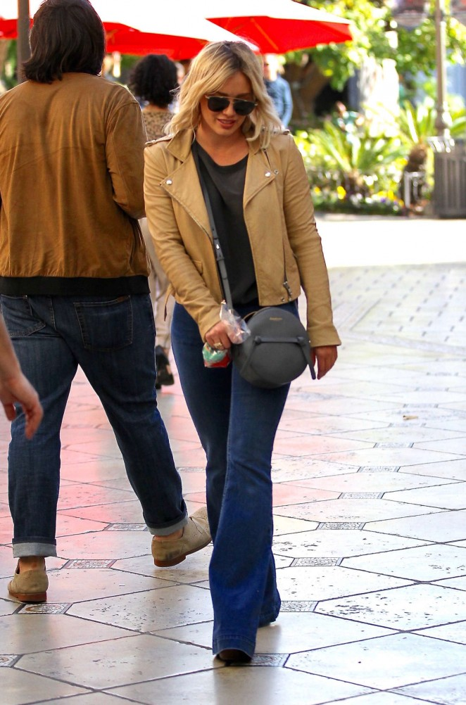 Hilary Duff – Shopping at the Grove in Los Angeles