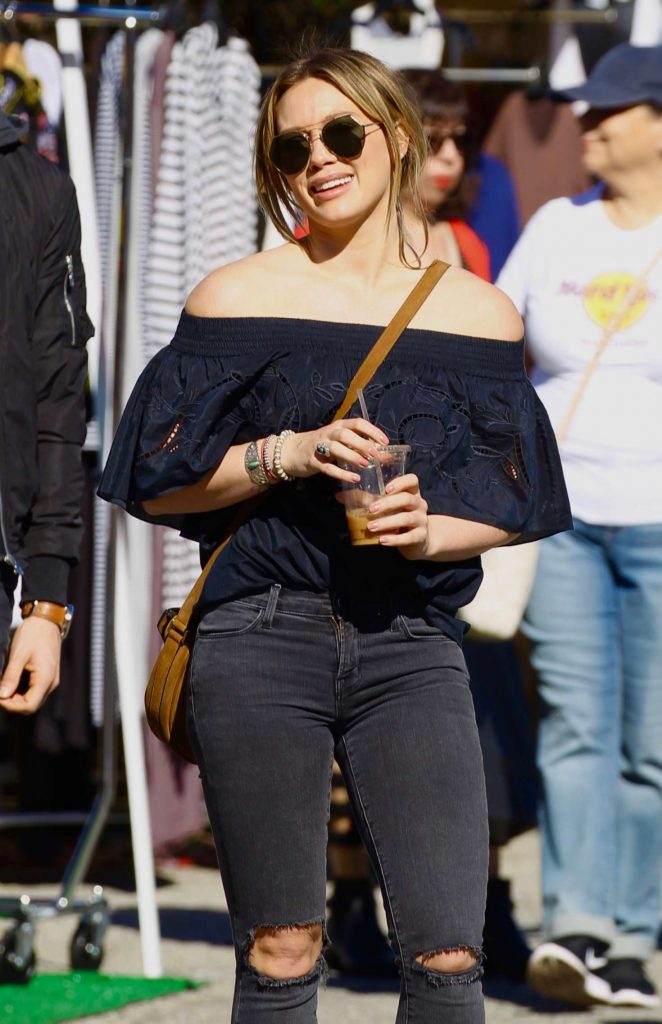 Hilary Duff – Shopping at the Melrose Flea Market in Los Angeles