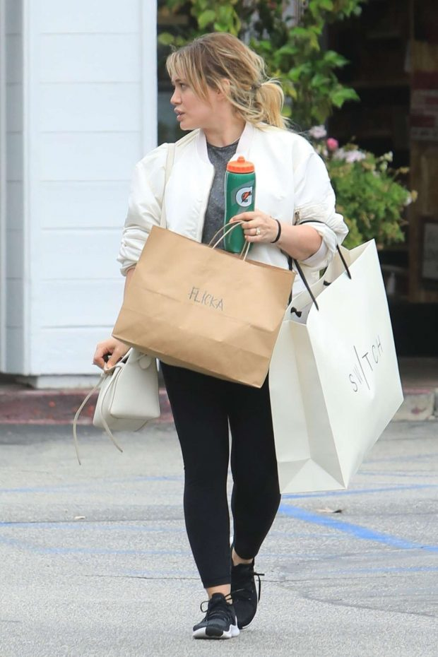 Hilary Duff: Shopping in Beverly Hills-08