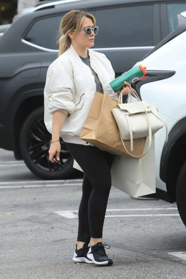 Hilary Duff: Shopping in Beverly Hills-16