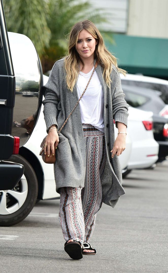 Hilary Duff - Shopping in Los Angeles