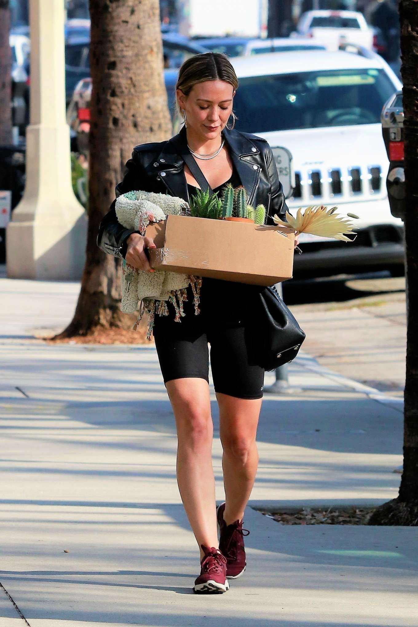 Hilary Duff - Shops for flowers and succulents in Studio City