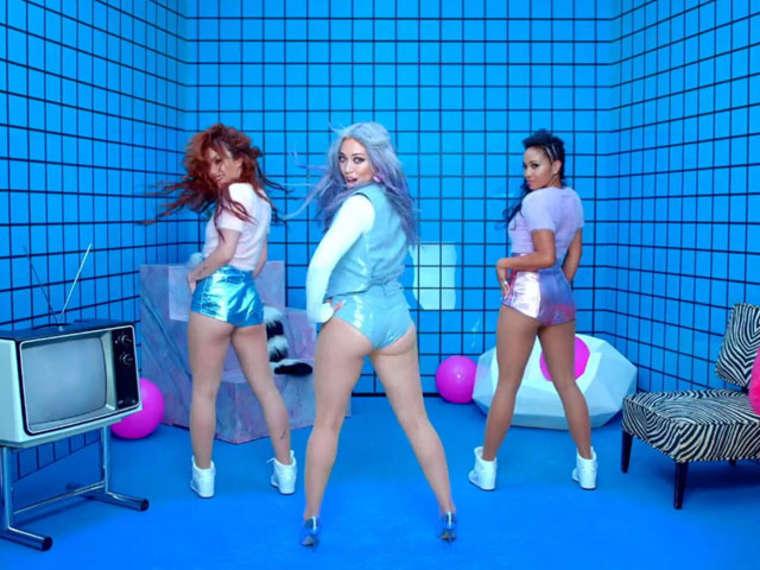 Hilary Duff 2015 : Hilary Duff Booty in Shorts -06